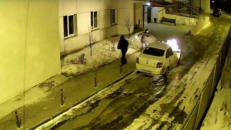 «Остановите беспредел». Семья профессора Воронежского госуниверситета подозревает УК в поджоге машины