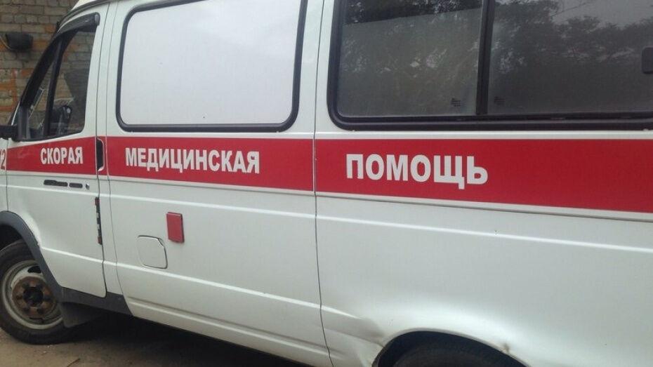 В Воронежской области иномарка влетела в препятствие: водитель скончался