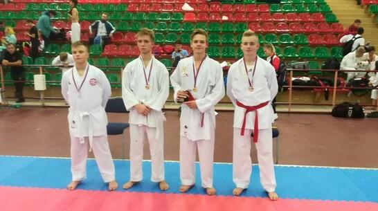 Поворинский каратист победил на первенстве России