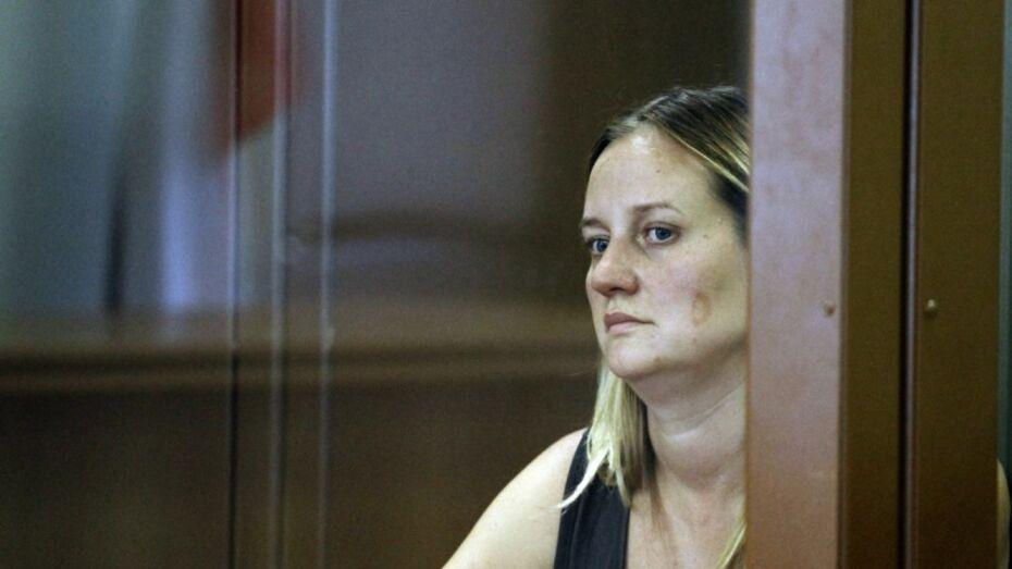 Дочь экс-главы райадминистрации под Воронежем обвинили в мошенничестве на 4,5 млн рублей