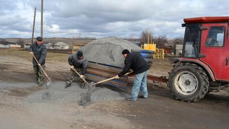 В Нижнедевицке проведут ямочный ремонт 5 км дорог
