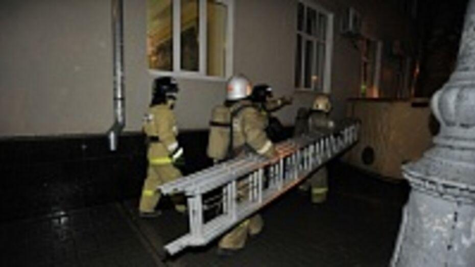 Минувшей ночью из-за угрозы пожара пришлось эвакуировать больных Эртильской районной больницы