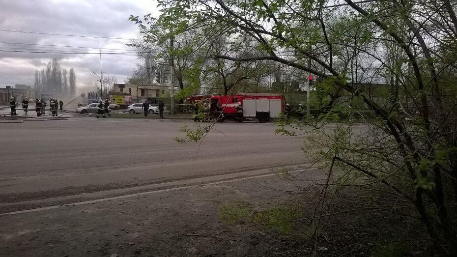 В Воронеже спасатели локализовали пожар на газовой заправке
