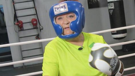 Телезвезда Зоя Леденева вернулась в родной Бобров со съемок в Москве