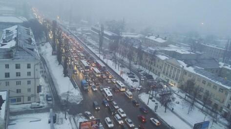 Пробки в Воронеже вечером 27 марта достигли 10 баллов