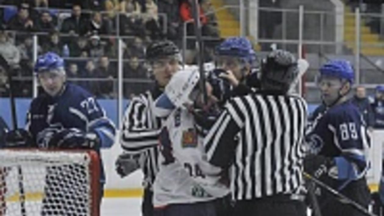 Воронежский «Буран» на своем льду по буллитам проиграл красноярскому «Соколу»