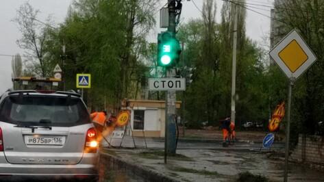 Воронежцы возмутились укладкой асфальта в ливень