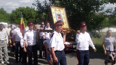 По Богучару прошел Ильинский казачий крестный ход