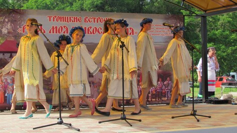 В нижнедевицком селе троицкие хороводы водили в Духов день