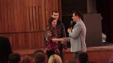 В Воронеже резидент Comedy Club Гарик Харламов благословил на брак свою однофамилицу