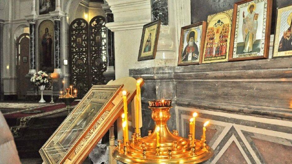 Трое краснодарцев обокрали 8 храмов в Воронежской области