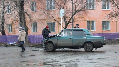 В Таловой в ДТП пострадали 2 девушки