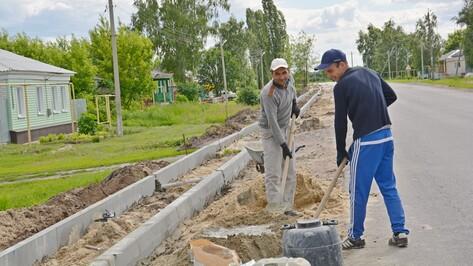 В поворинском селе Пески построят тротуары
