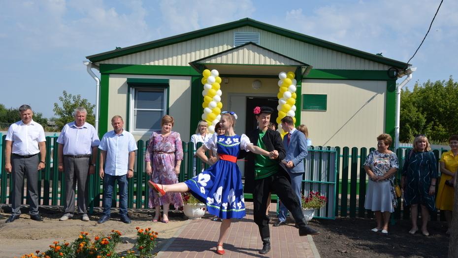 В Россошанском районе в 3 селах построили модульные ФАПы