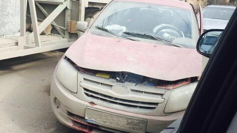 В Воронеже четыре столкнувшихся автомобиля заблокировали улицу 45-й стрелковой дивизии