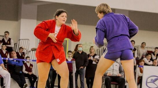 Мастера спорта по самбо получила победитель первенства Европы-2019 из Таловой Юлия Калгина