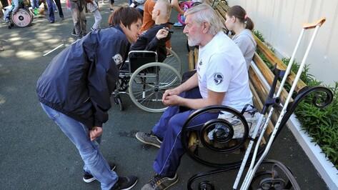 «Мы в шоке». Московские колясочники раскритиковали общественный транспорт Воронежа