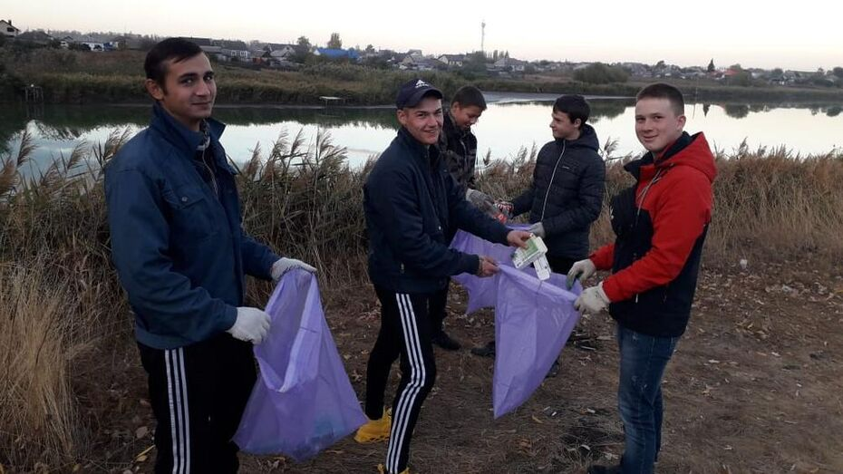 Каширские активисты позвали земляков собрать мусор на обмелевших берегах реки Хворостань