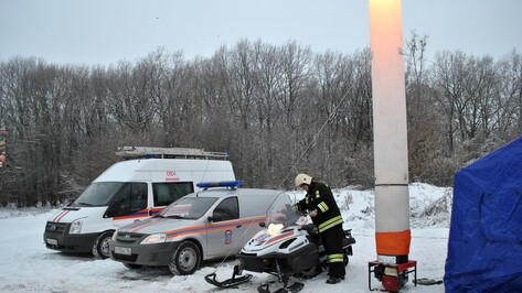 На окраине Семилук развернули мобильный пункт обогрева для водителей