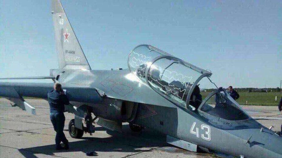 Военные аварийно посадили Як-130 в Воронежской области