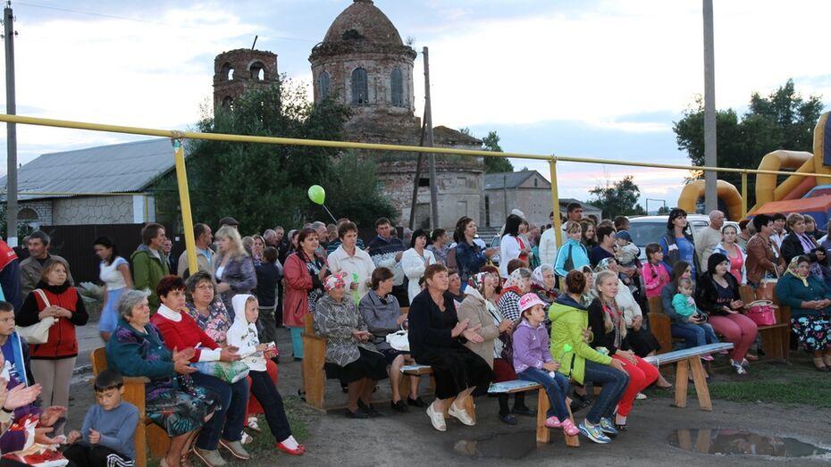 В Богучарском районе в 1 день отметили праздники 2 сел