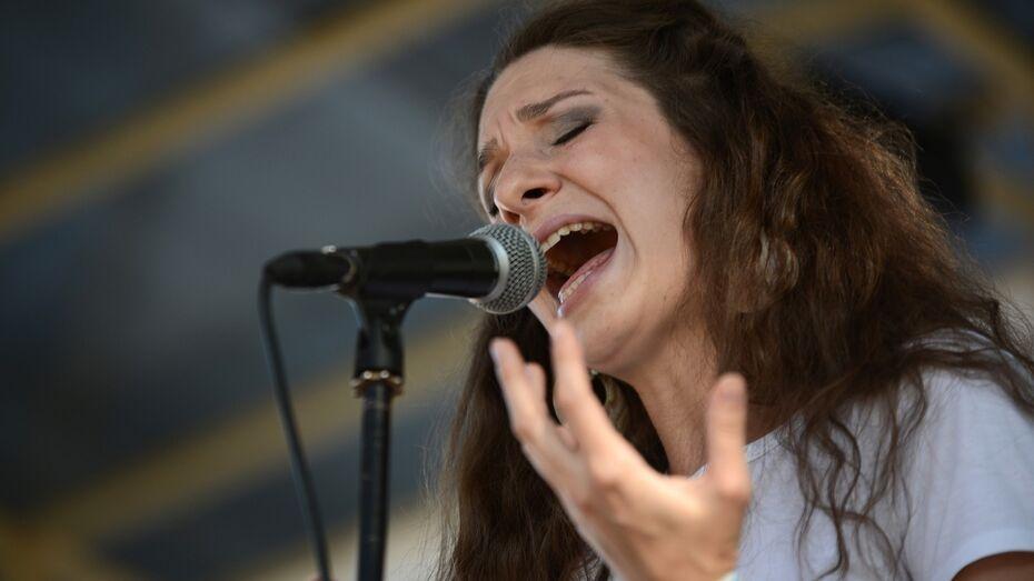 Музыкальный фестиваль воронежских групп «Такие» перенесли под крышу