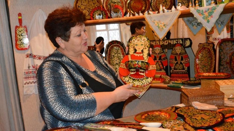 Богучарские мастера народных промыслов представят на воронежской ярмарке свои изделия