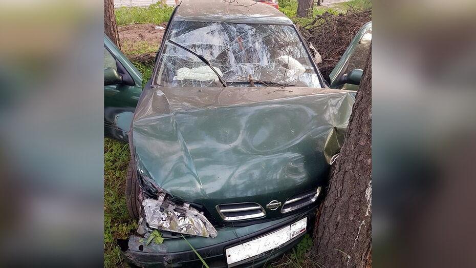 Женщина и 3-летний мальчик пострадали в ДТП в Воронежской области