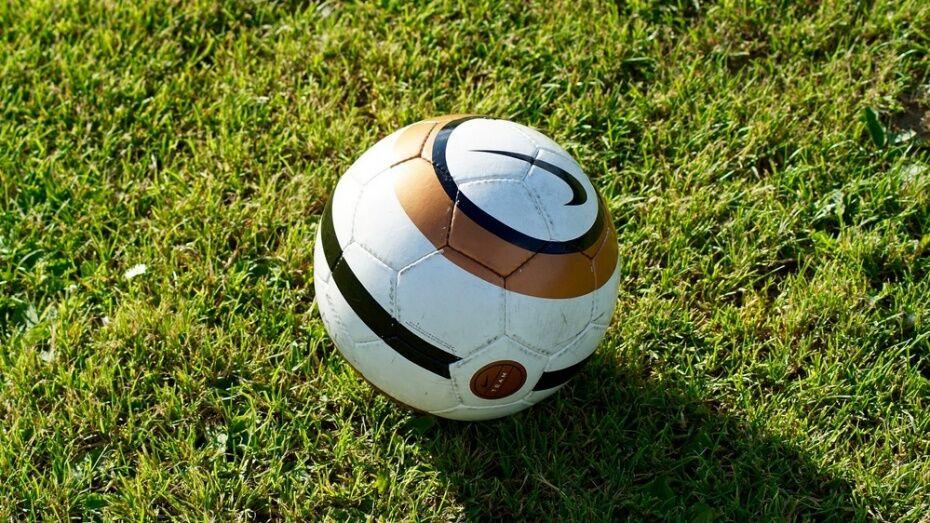В Воронеже 16-летний парень умер после игры в футбол