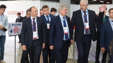 В Воронеже замглавы Минпромторга сообщил о возможности создания межрегионального кластера