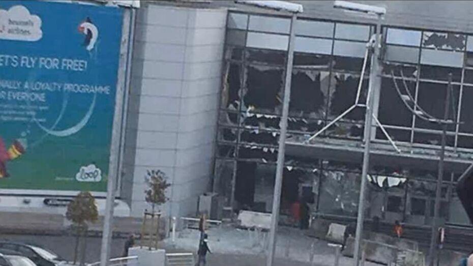 После взрывов в аэропорту Брюсселя погибли 17 человек