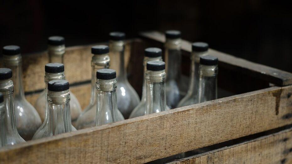 В Воронежской области оперативники в 2016 году нашли 200 т суррогатного алкоголя