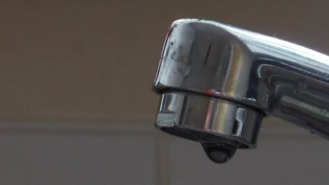 Из-за коммунальной аварии часть воронежцев провела без воды целый день
