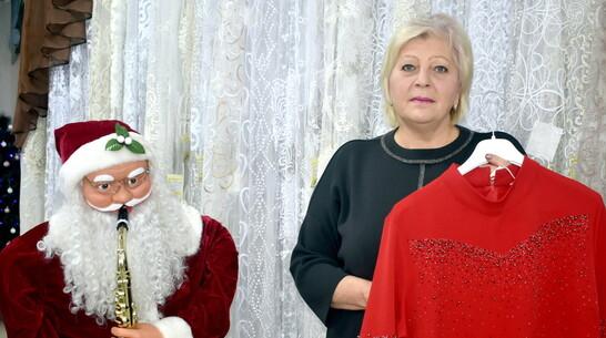 Талантливой героине РИА «Воронеж» с ДЦП подарили инвалидную коляску и платье