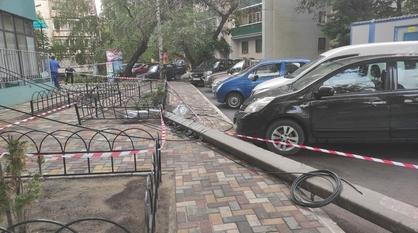 Фонарный столб упал в Воронеже после ливня