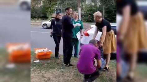 Воронежца, впавшего в кому на улице, не стали госпитализировать