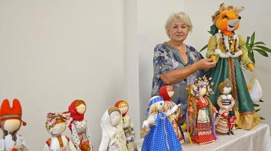 Лискинцы смогут увидеть выставку русской обрядовой куклы