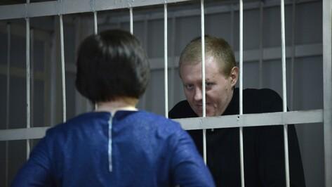 Защита воронежского бизнесмена потребовала привода в суд футболиста Кержакова