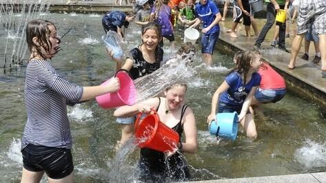 Водоканал запрещает воронежцам купаться в фонтанах