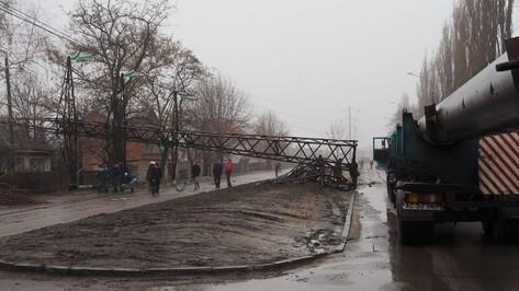 Коммунальщики вернули воду в 2 района Воронежа