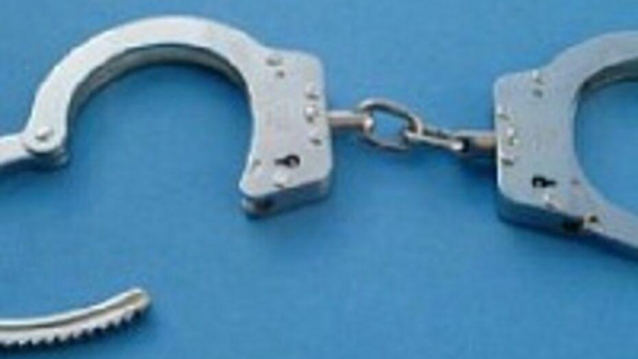 В Воронеже задержан мужчина, который, угрожая пистолетом, ограбил павильон быстрых займов