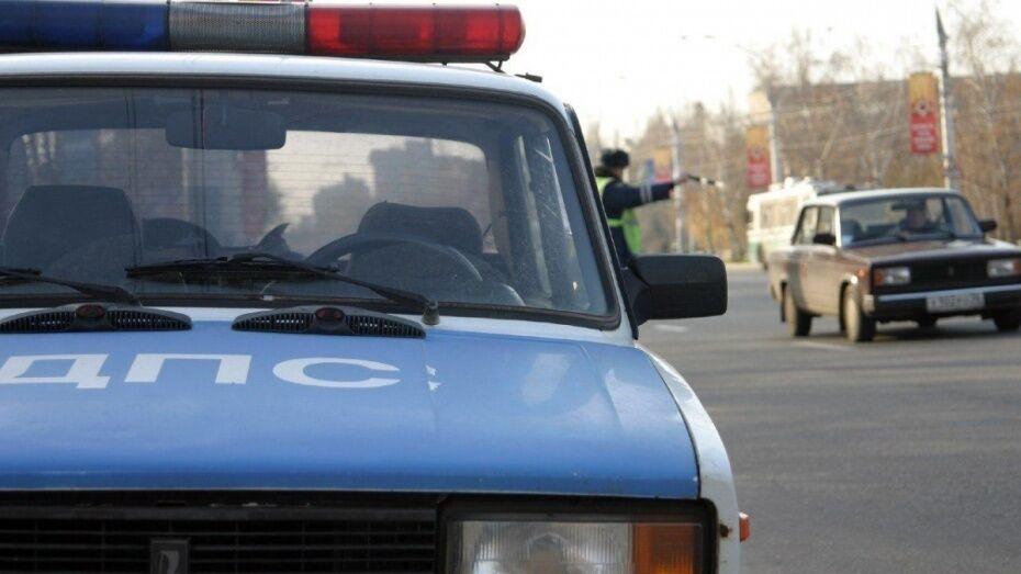 В Воронеже нарушившая правила машина ДПС попала на видео