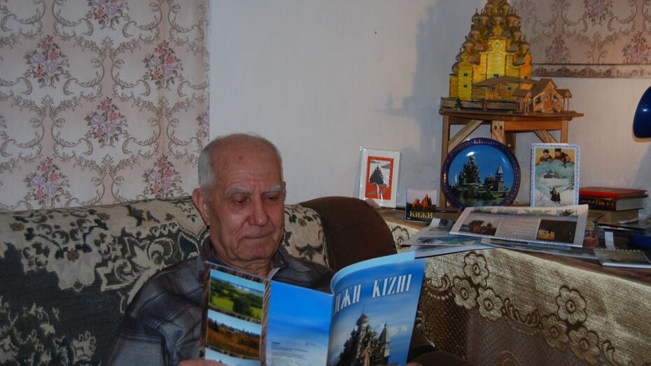 Бутурлиновский мастер рукотворных Кижей получил подарки от знаменитого музея