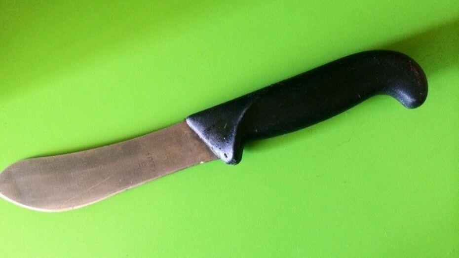 В Воронеже 35-летняя женщина зарезала нового знакомого 2 ножами