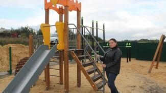 Активисты хохольского села Гремячье обустроили детскую площадку на месте пустыря