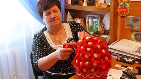 Жительница Поворино сделает букеты из конфет