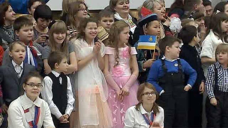 На новогодней елке в Кремле побывали 32 ребенка из Воронежской области