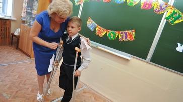 Экс-участник «Дома-2» призвал друзей помочь мальчику без ноги из Воронежа