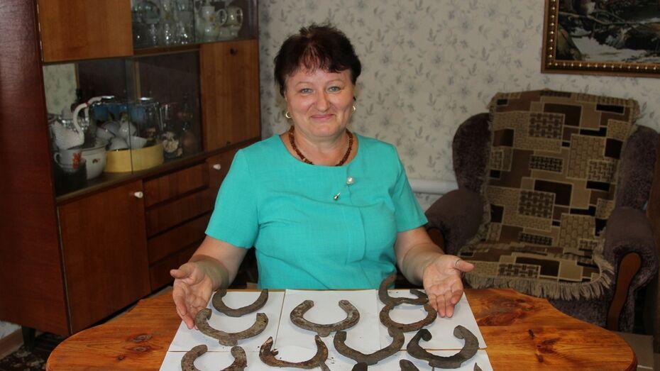 В Новохоперском районе сельчанка нашла на огороде жетон 1882 года