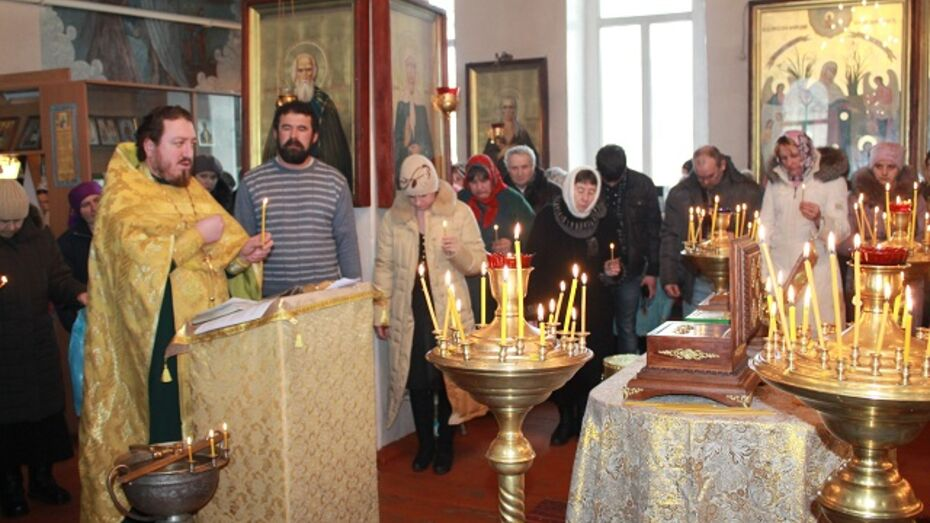 1500 петропавловцев приложились к святыням